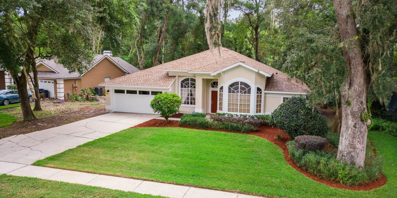 1327 Sablewood Drive, Apopka, FL 32712