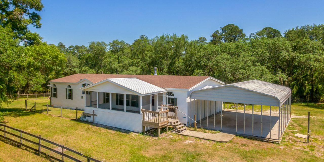 1025 Seminole Bear Trail, Pierson, FL 32180