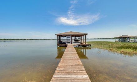 1452 Lake Howard Dr SW, Winter Haven, FL 33880